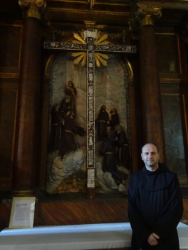 Altar a los márties de Damasco en Compostela